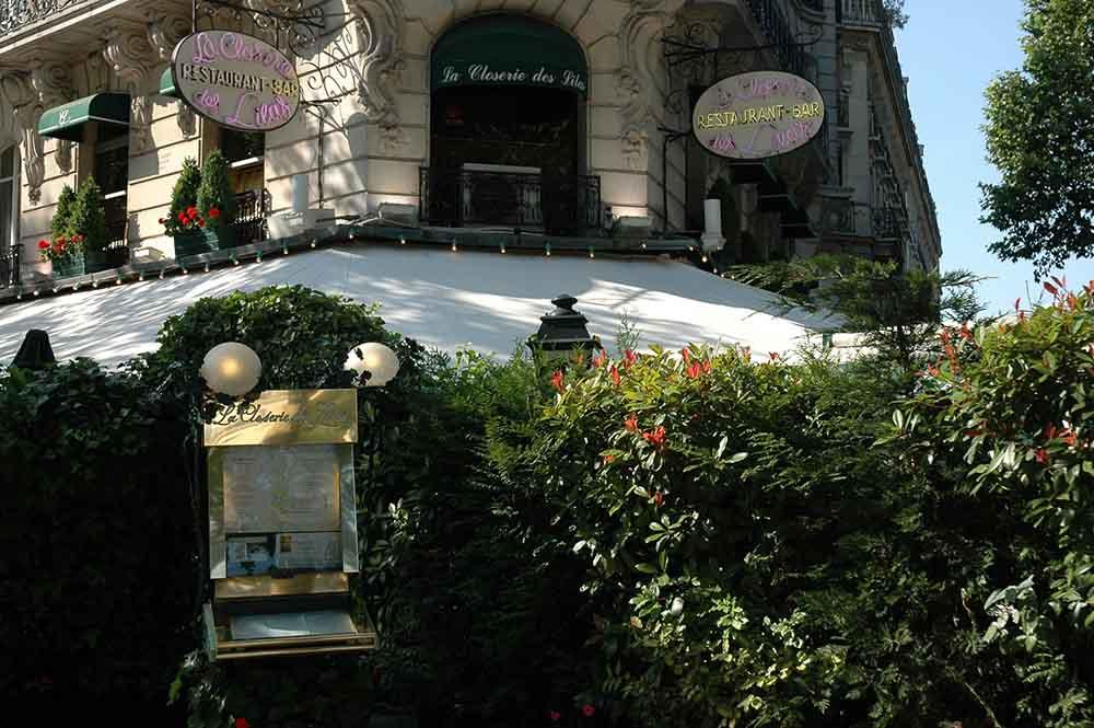 L'entrée fleurie de la Closerie des Lilas ©CloseriedesLilas