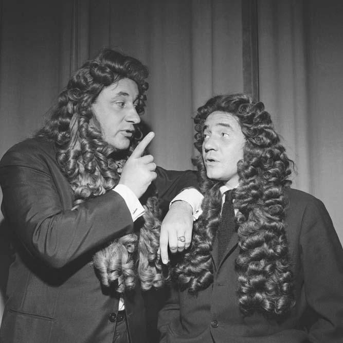 JP Darras et Philippe Noiret au théâtre Bobino, octobre 1961 © Studio Lipnitzki / Roger-Viollet