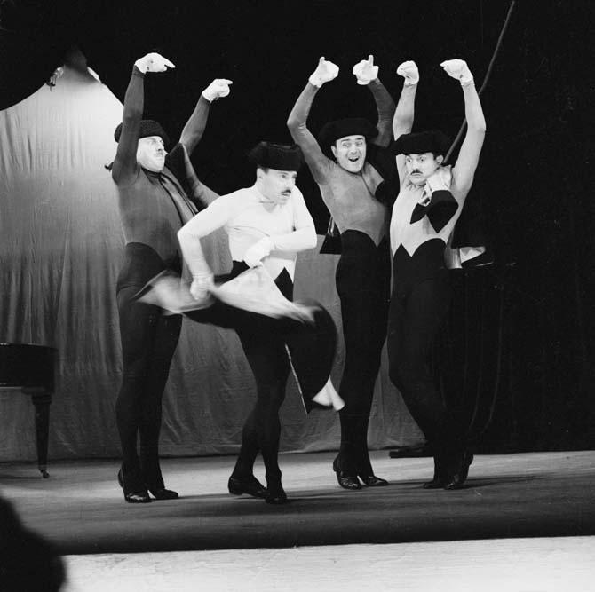 Les frères Jacques, Comédie des Champs-Élysées, octobre 1961 © Studio Lipnitzki / Roger-Viollet