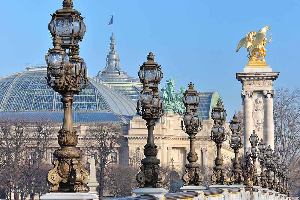 Le Grand Palais depuis le pont Alexandre III @Eric Pouhier - Wikimedia