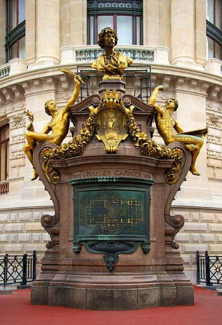 Monument-à-Charles-Garnier,-Opéra-Garnier-Par-Daniel-Stockman,-via-Wikimedia-Commons