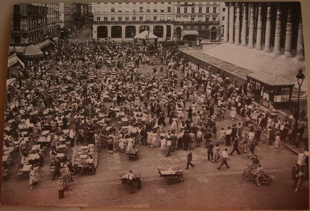 Bal-du-14-juillet-1914,-rue-Monmartre-niveau-rue-Feydeau-La-Clairière