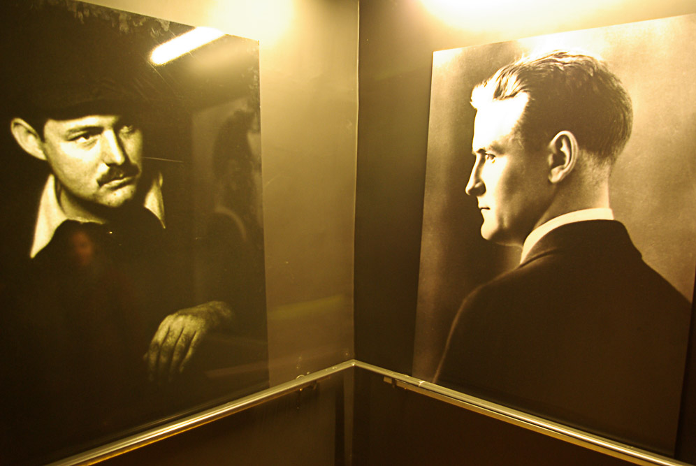 Portraits d'Hemingway et Scott Fitzgerald au bal Blomet par Julien Barret