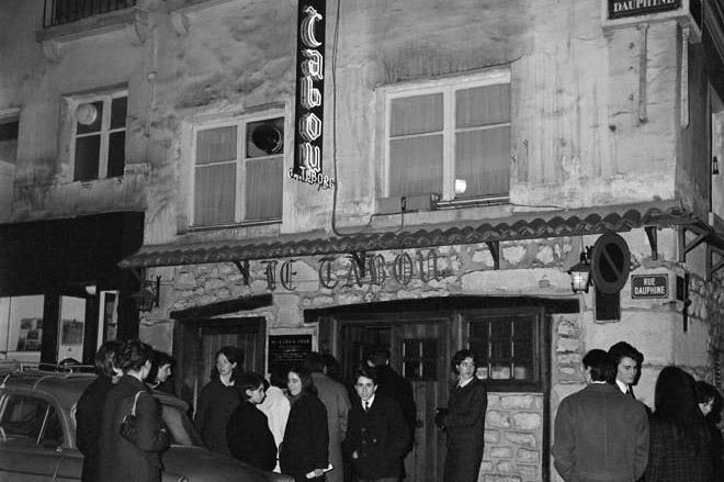 Le Tabou, rue Dauphine, en 1963 ©Roger-Viollet