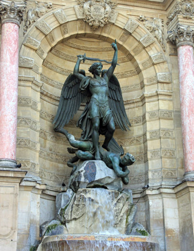 Saint-Michel terrassant le dragon de Francisque Duret By NonOmnisMoriar CC BY-SA 3.0