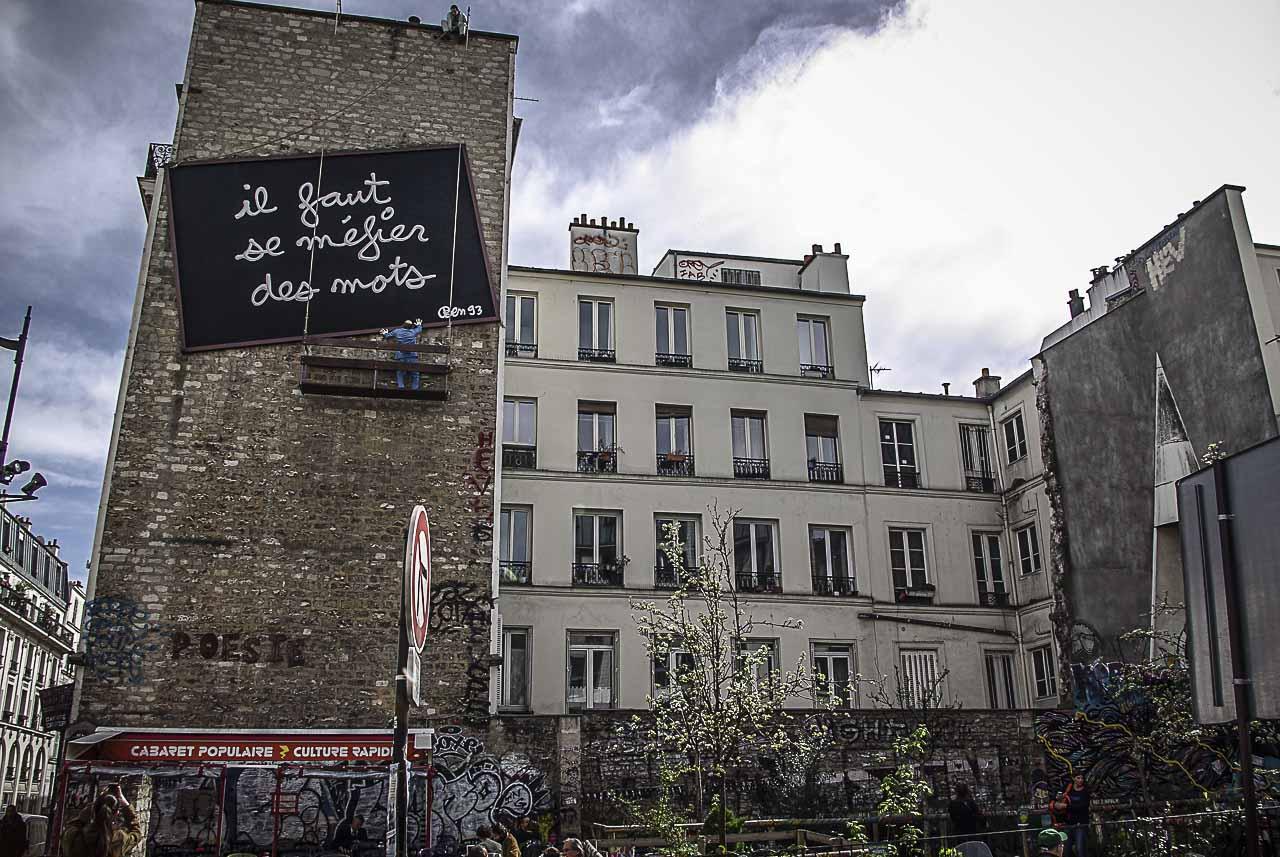 La fresque de Ben, Il faut se méfier des mots par Julien Barret