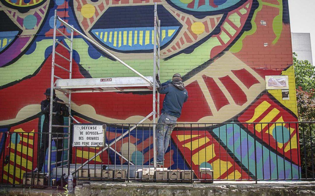 Le totem urbain de Da Cruz rue des Périchaux