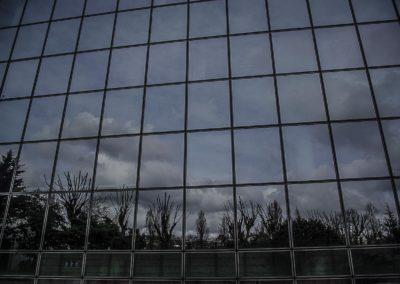 Paris vu dans le reflet du batiment de TF1 ©J Barret