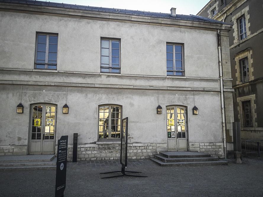 Performance Turbulence de Tatiana Julien au château de Vincennes le 22 juin 2018 par J.Barret-4