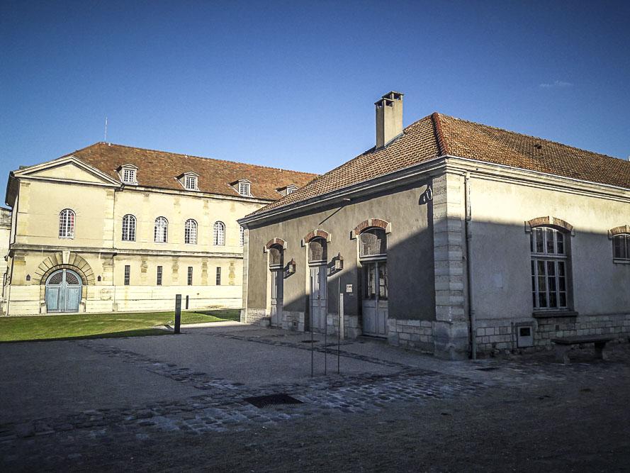 Performance Turbulence de Tatiana Julien au château de Vincennes le 22 juin 2018 par J.Barret
