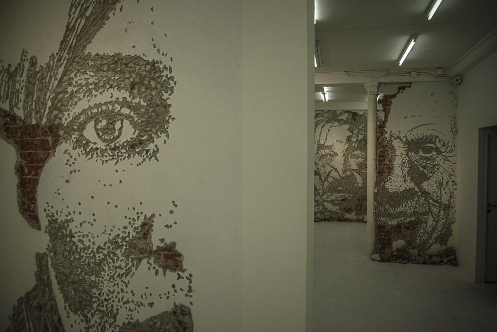 VHILS, exposition Solo Show à la galerie Magda Daniscz par J. Barret-5