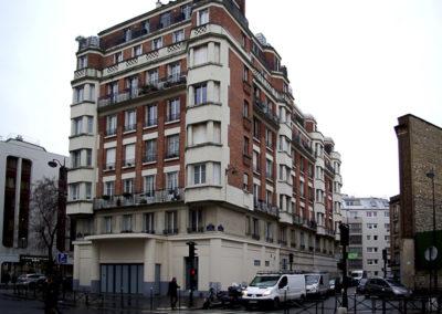 Vue actuelle de l'immeuble en briques construit en 1930 par l'architecte André Pié (©Julien Barret)