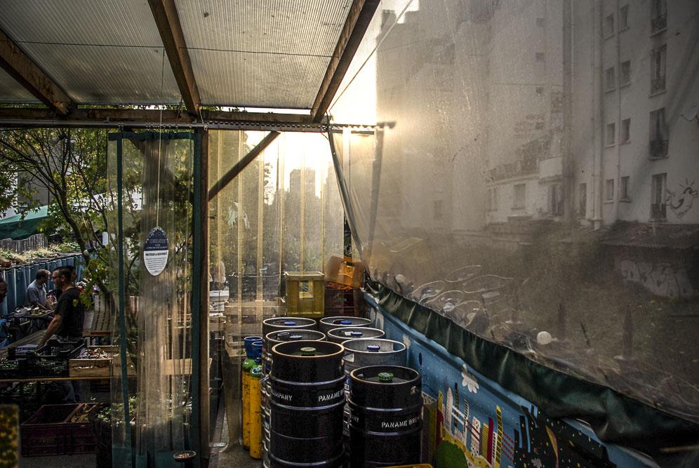 espace marché à la Recyclerie par J Barret