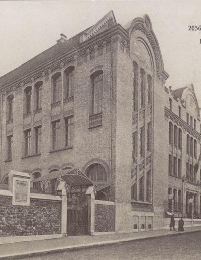 Carte postale ancienne montrant «l'École Commerciale de la rue Armand Moisant» construite en 1908 @Parimagine