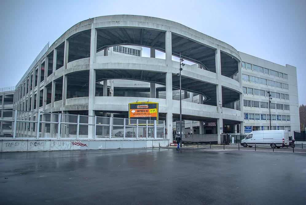 l'entrepôt Ney qui accueille la société Geodis, a côté de Cap 18 par J Barret