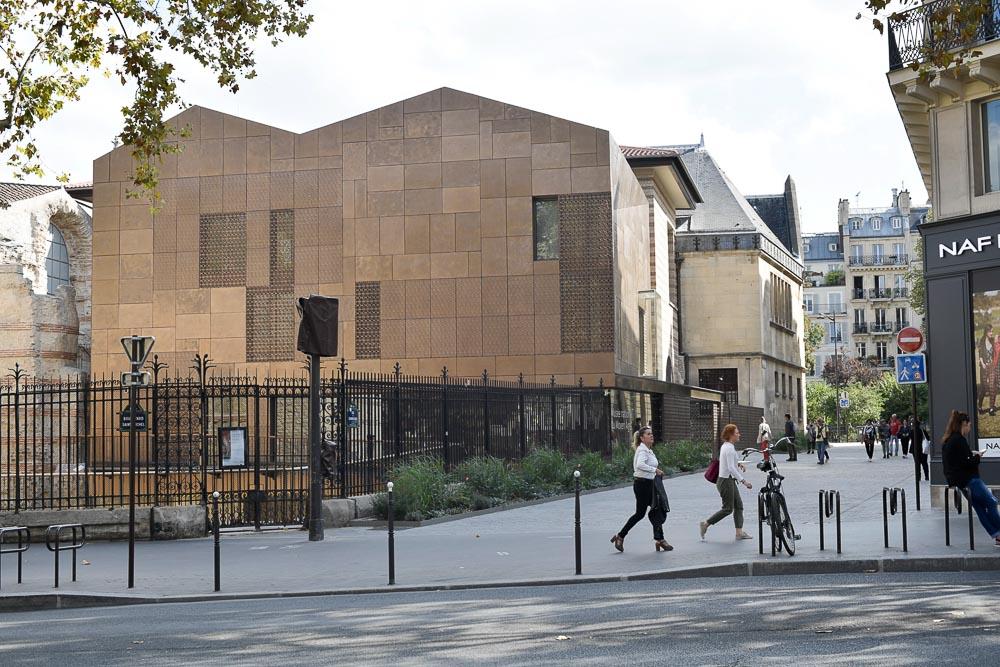 La nouvelle façade du Musée de Cluny réalisée par Bernard Desmoulin - Photo Nicolas MARQUES