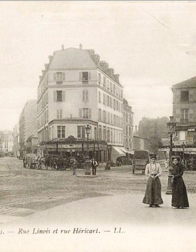 L'intersection entre la rue Linois et la rue Héricart, prise vers 1910 © Coll. SHA XV