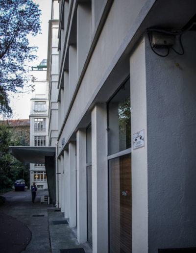 Le bâtiment photographié en octobre 2018, rénové et agrandi dans les années 60 ©Julien Barret