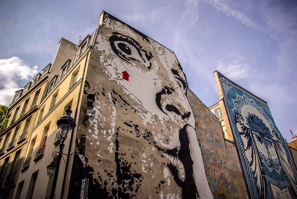La place Stravinski en aout 2019 avec les fresques de Obey et Jef Aérosol @J.Barret-15