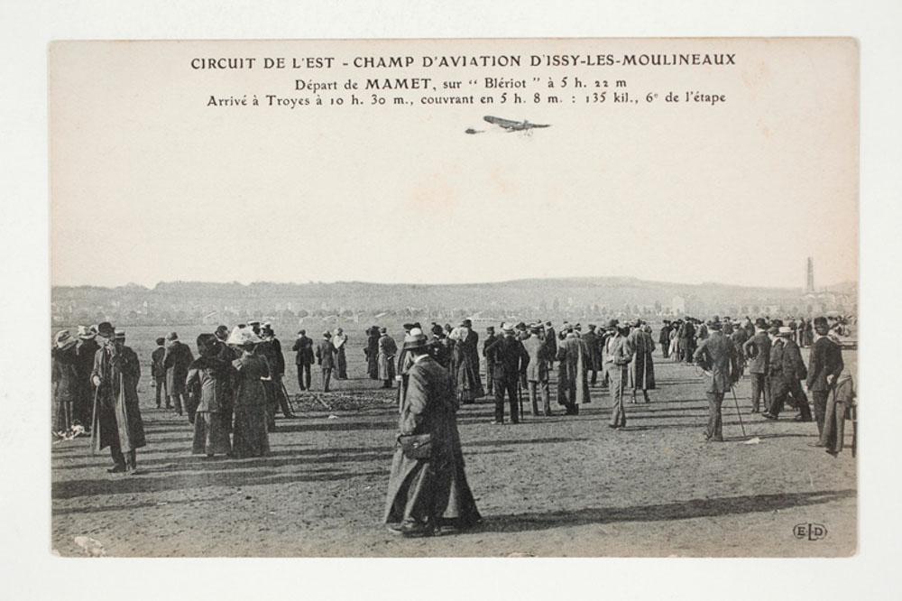 Champ d'Aviation d'Issy-les-Moulineaux - Départ de Mamet sur Blériot ©SHA15