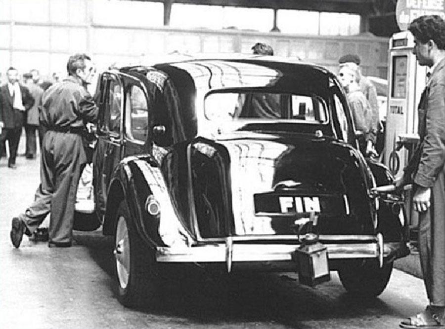 Citroën traction fin 1957 ©SHA15