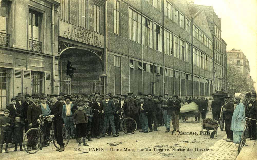 Sortie de l'usine Mors vers 1910 ©SHA15