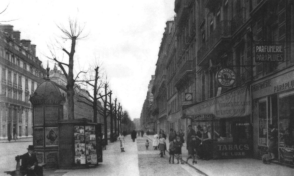 L'avenue Kléber, sa parfumerie, son kiosque et son tabac