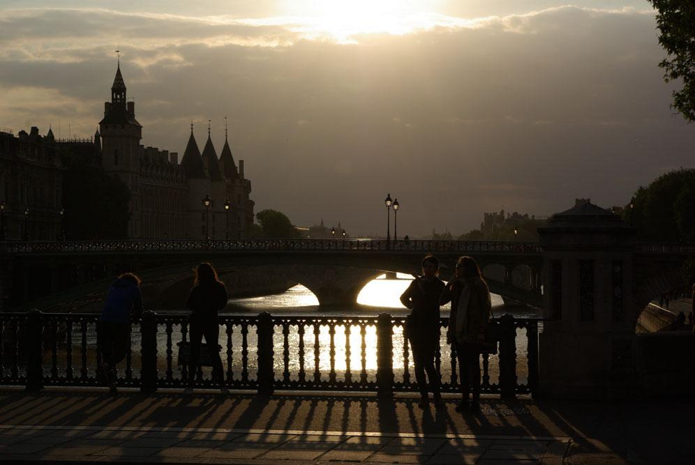 Le pont d'Arcole avant le crépuscule en mai 2020 @J.Barret