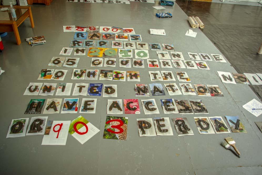 Collage en préparation de Lady K dans la salle de danse du squat @J.Barret