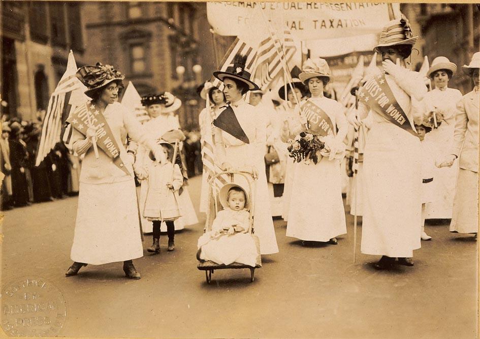Défilé de suffragettes, New York, 6 mai 1912, domaine public
