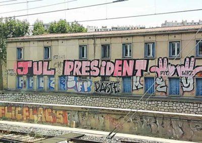 Jul Président, à 500 mètres de l'entrée de la gare Saint-Charles à Marseille @ Hugo Lara