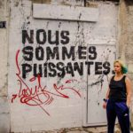 Marguerite Stern devant la façade de son squat @J.Barret