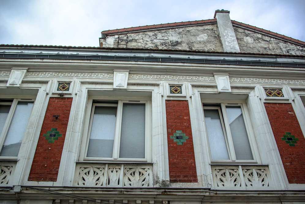 Une façade de la Cité des Ecoles @J.Barret