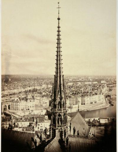 Charles Marville, Flèche de Notre-Dame en plomb et cuivre martelé, vers 1860 © Ecole nationale supérieure des beaux-arts de Paris
