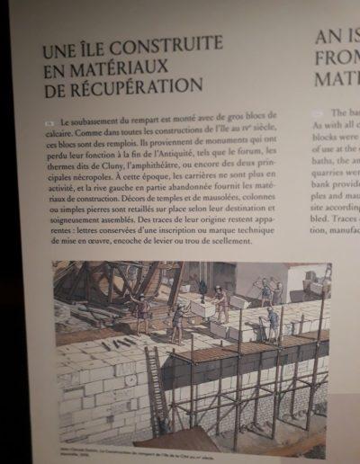 Panneau informatif de la Crypte de Notre-Dame @J.Barret