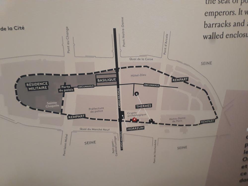 Plan de la Cité fortifiée au 4e siècle @.JBarret