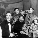 Bal concert donné en 1936 dans le 15e par le guitariste Dimitrievitch, avec le Général-comte Grabbe (coll. A. Korliakov)