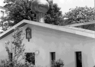 L'église Saint-Séraphin-de-Sarov en 1975, avant son lambrissage (archives D. Vicheney)
