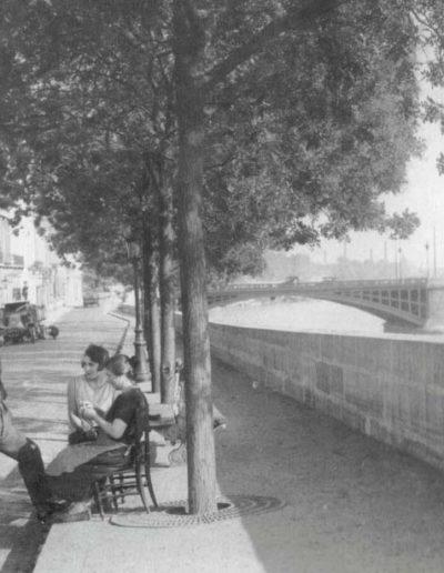 Le pont de Sully vu depuis le quai de Béthune, sur l'île Saint-Louis, vers 1930 @parimagine