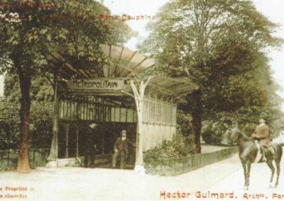 La libellule d'Hector Guimard porte Dauphine