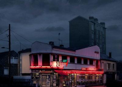La Passerelle Villeneuve Saint Georges Série Red Lights @Blaise Arnold