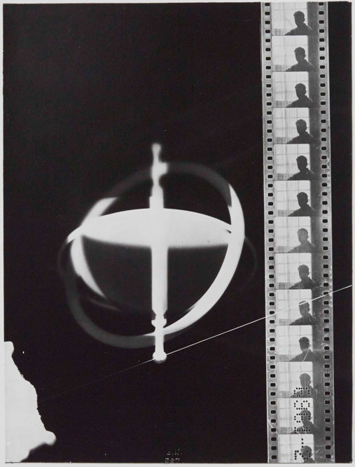 Man Ray, Rayogramme, toupie et pellicule, 1921-1922 © BnF © Man Ray Trust Adagp